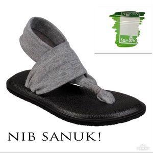 • SANUK   NIB   Sling Bling Yoga Sandals •